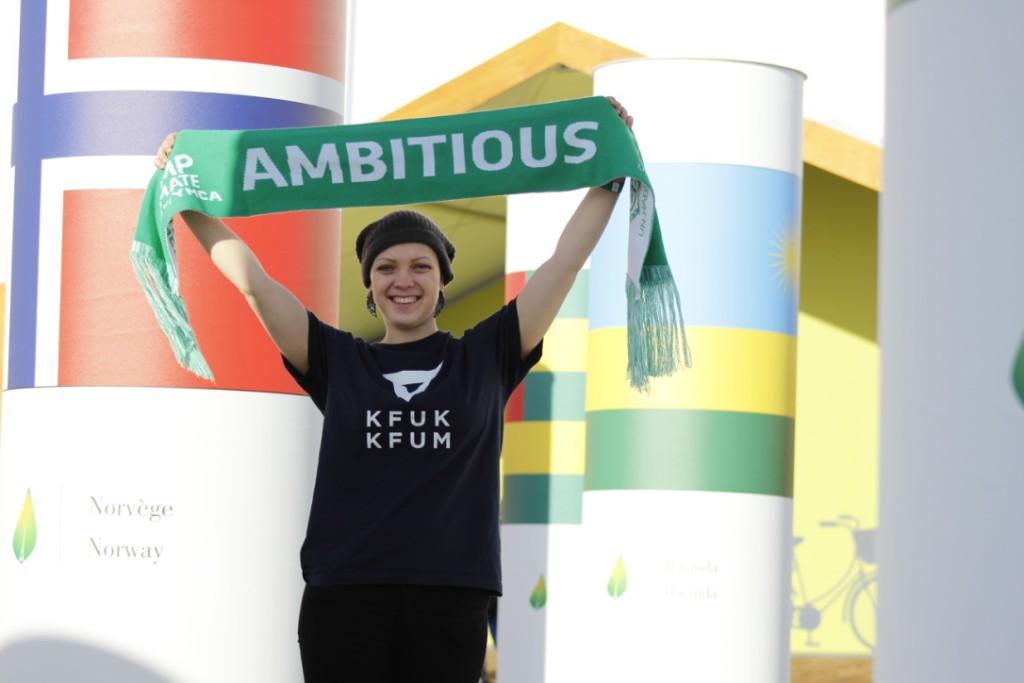 MOTIVERT: Etter en uke i Paris under klimatoppmøtet, er Maria Saxegaard ekstra motivert for å gjøre en innsats for klimaet. Hun mener kirkene i større grad bør inkludere klimaansvar i teologien (Foto: Kjersti Landmark)